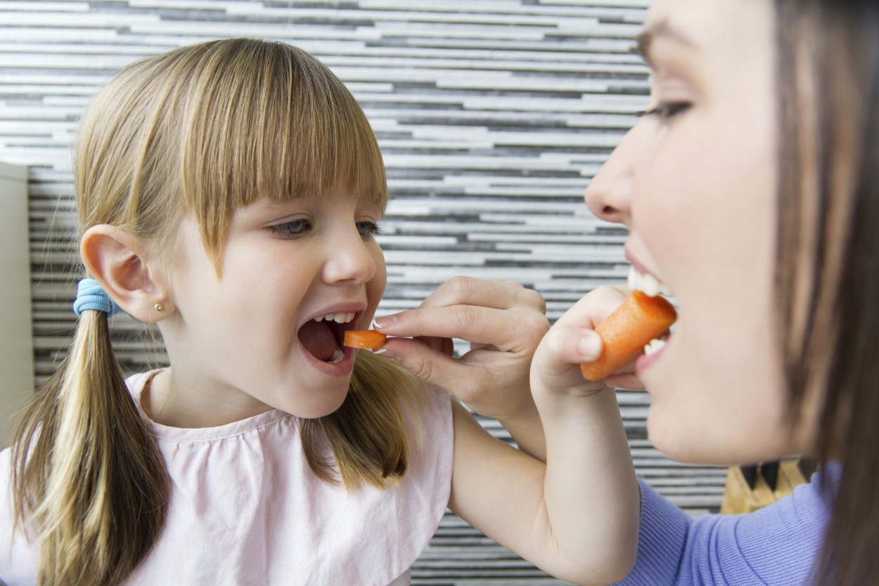 Tips for Eating with Our SEVEN Senses – Part Two: Touch and Sound