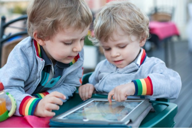 Through Play Children With Autism Can >> 19 Toys Apps That Can Help Develop Language And Social Skills In